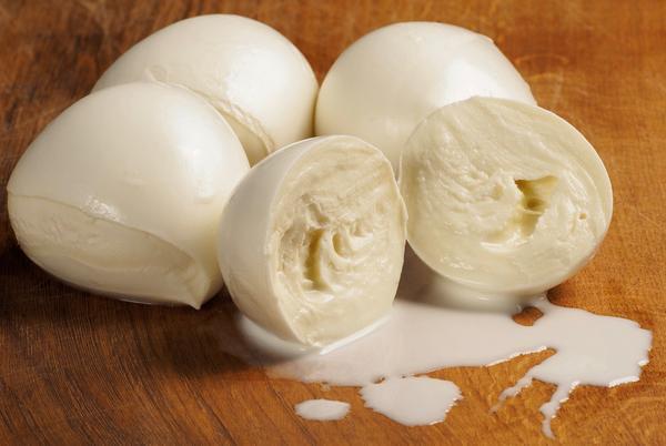 Mozzarelle in gravidanza: si possono mangiare?