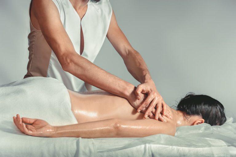 Massaggio olistico antistress: in cosa consiste e i benefici che apporta